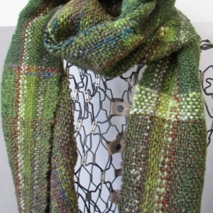 Green handwoven scarf