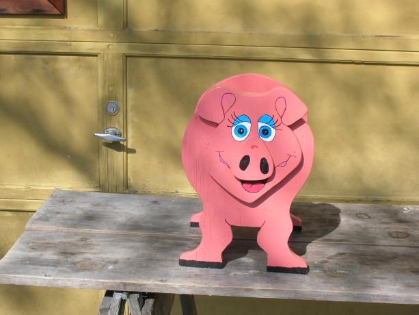 Piggy planter box