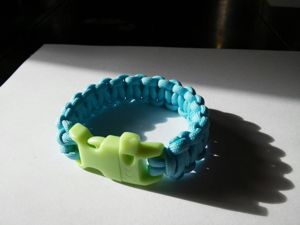 Glow In the Dark Paracord Bracelet