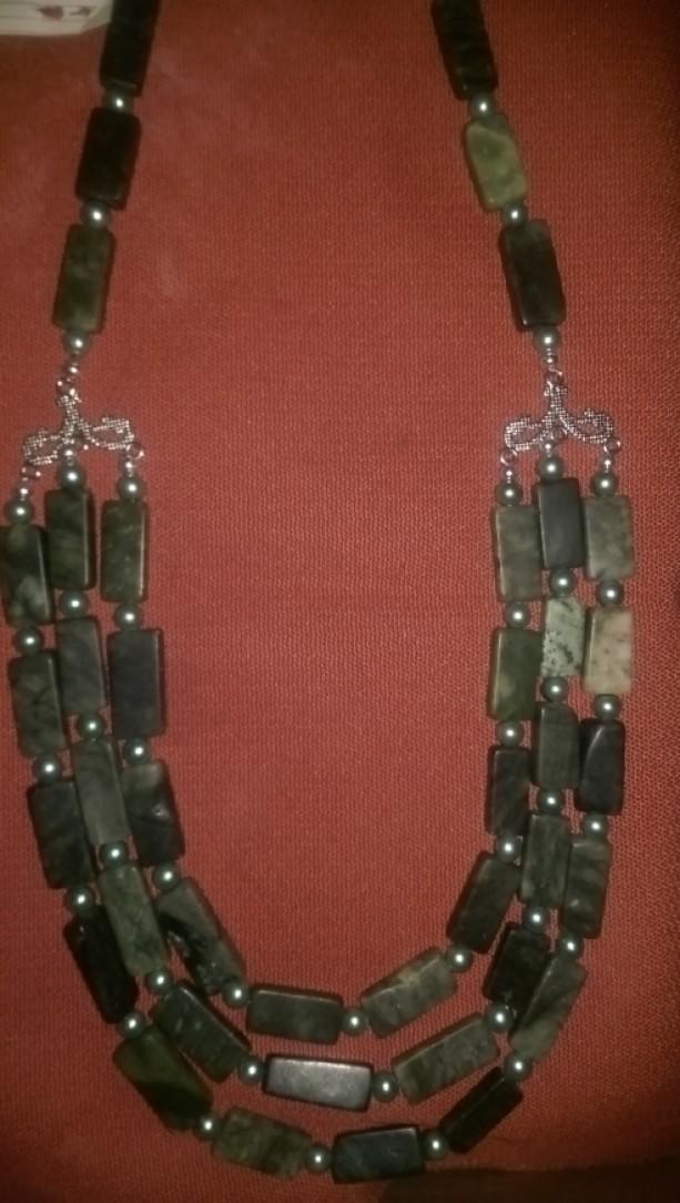Trilayer Serpentine necklace
