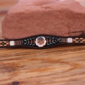 Cedar Trail Bead Works: hand beaded Capri/White Hibiscus Bracelet