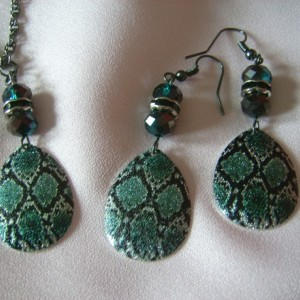 Painted Snakeskin Necklace and Earring Set