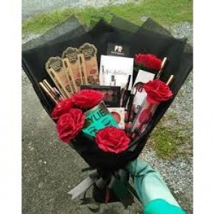 Custom Cosmetic Bouquet