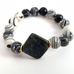Black and white Bracelet; Stripes beads natural stone