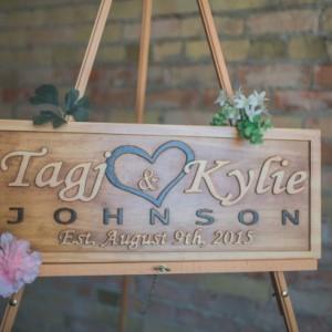 Wood Wedding Sign, Welocme Wedding Sign, Carved Wood Sign, Door Hanger, Personalized Wedding Sign, Custom Wedding Sign, Wooden Name Sign
