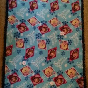 """Frozen """"Sisters Forever"""" Blanket"""