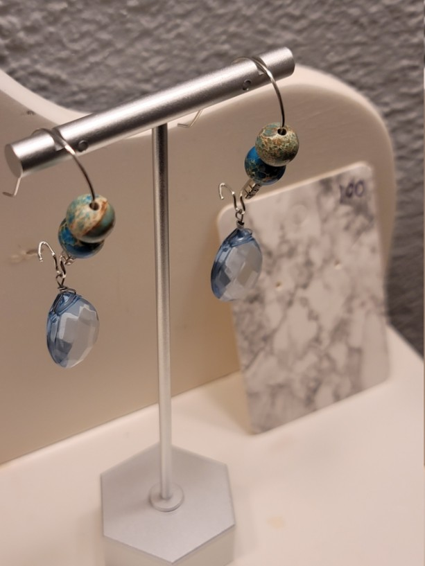 Light blue bead with multicolor blue bead feature kidney earrings