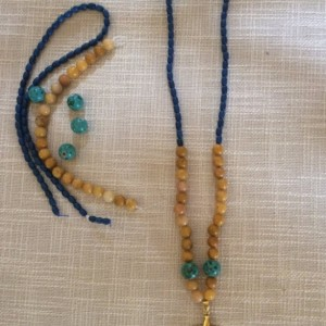 Multi-Colored Beaded Accent Pendant Necklace.