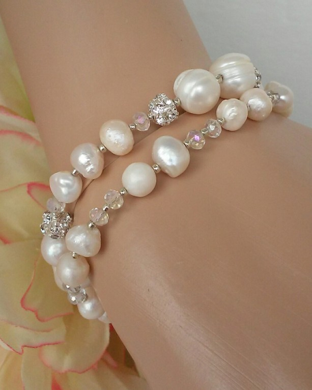 Wedding Day ~ Beaded Pearl Bracelet Set of 2 ~ Chic Bridal Wedding Jewelry ~ Elegant Pearl Jewelry ~ Pearl Bracelet Set ~ Gift for Her