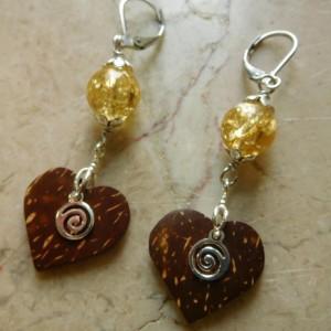 Dangling Coconut heart earrings, with stainless steel lever back earrings hooks. #E00312
