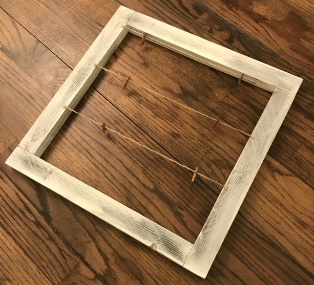 Rustic Wood Display Frame / Picture Frame with Clips / Wood Frame / Wood Picture Frame / Picture Display / Picture Frame