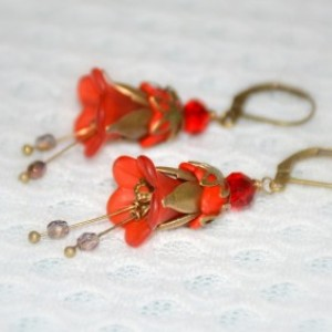 Vintage Flower Earrings in Red