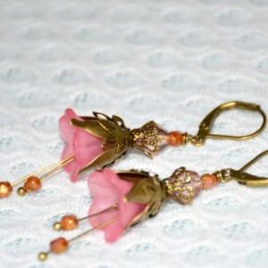 Vintage Flower Earrings in Pink