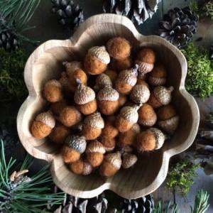 Felted wool acorns, Fox Brown, wholesale set of 50, woodland wedding decor, autumn wedding favors, brown wool acorns, autumn bowl filler
