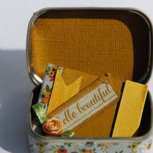 Tiny Altered Altoid Tin - Hello Beautiful