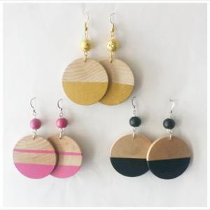 wood disk dangle earrings
