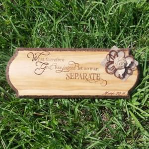 Wood Plaque with Burlap