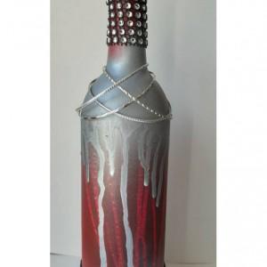 Upcycled Wine Bottle/Rock/Upcycled Wine/Upcycled Wine Bottle/Wine Bottle/Centerpiece/Wine/Wine Decor/Mantle/Vase/Bottle