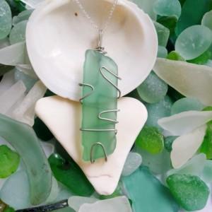 Green sea glass necklace, sea foam green necklace, green sea glass jewelry, island style, beach jewelry, beach glass, green, handmade, boho