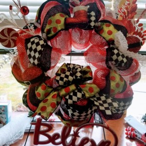 Christmas Holiday Whimsical Santa Wreath Indoor Outdoor Believe Decoration
