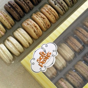 French Macarons Assortment - 24 Pack
