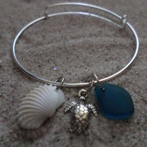 bangle bracelet w. sea glass, shell & charm