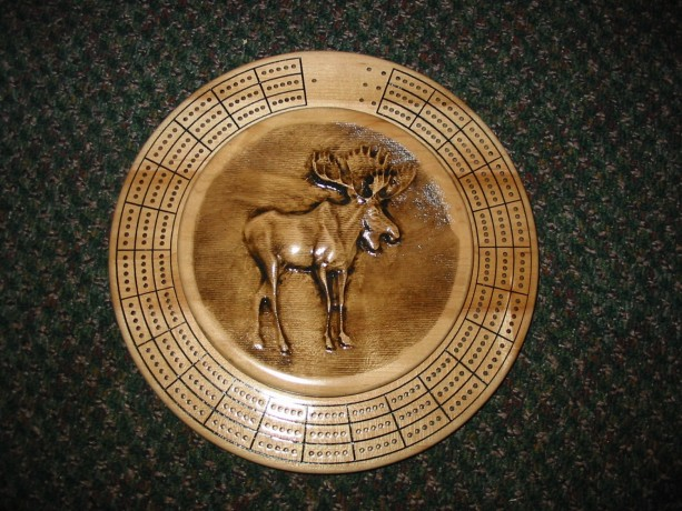 Moose 3 track round cribbage board with storage