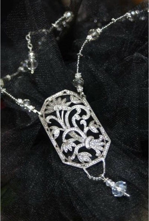 Daisy's Wedding Necklace