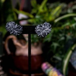 Black & silver chrysanthemum stud earrings