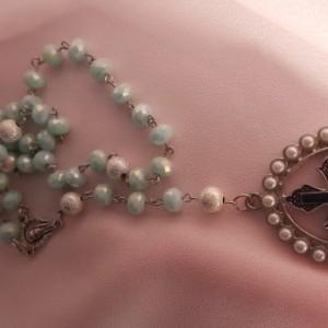 Women's Green and Yellow Rosary Beads