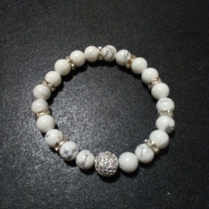 Natural white howlite bracelet