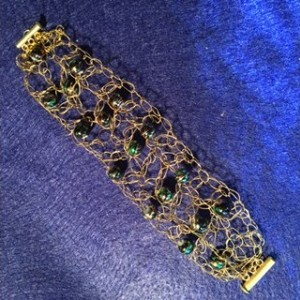 Goldtone wire and beads crochet bracelet