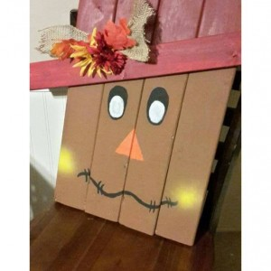 Rustic and Distressed Scarecrow Pallet Sign,  pallet porch decor, wood porch decor, fall decor, thanksgiving decor, halloween decoration