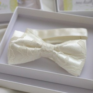 Ivory Lace Bow Tie - Wedding Bow Tie Groom Bow Tie Bridal bow Tie Bridal party Prom Groomsmen bow tie Baby Bow Tie - Baptism Bow Tie