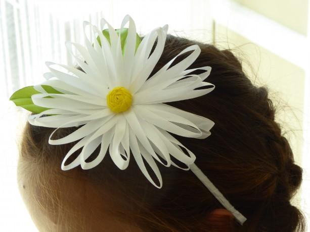 White satin daisy flower handmade hairband/headband in Kanzashi technique