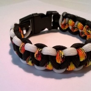 Beautiful Solomons dragon Paracord bracelet
