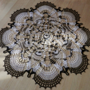 """Stunning Real Handmade Crochet Tablecloth Doily, 39"""", Round, """"Peacock Tail"""", Cotton 100%, USA FREE shipping"""