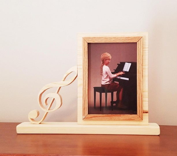 Personalized 4 x 6 Picture Frame with Carved Music Symbol, Customized Music Symbol Photo Frame