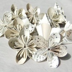 Set of 6 Mini Sheet Music Origami Flowers 'Rounded Melody' Upcycled, Table Decoration, Origami Flowers, Wedding Table Decor, Vase Filler