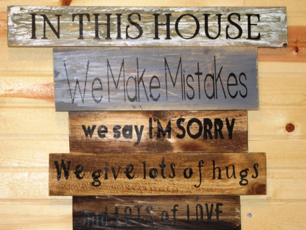 Preferred Reclaimed Pallet Wood Family Rules Sign • In our House Rules sign  QQ11