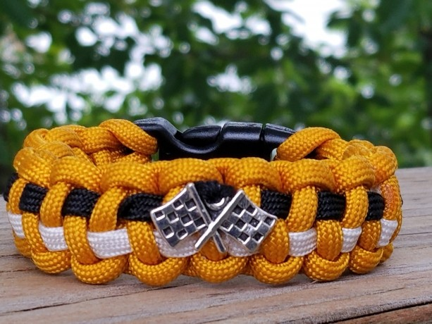 Paracord Bracelet-Hot on the Trail for a Cure-Benefits Jeff Gordon Children's Foundation