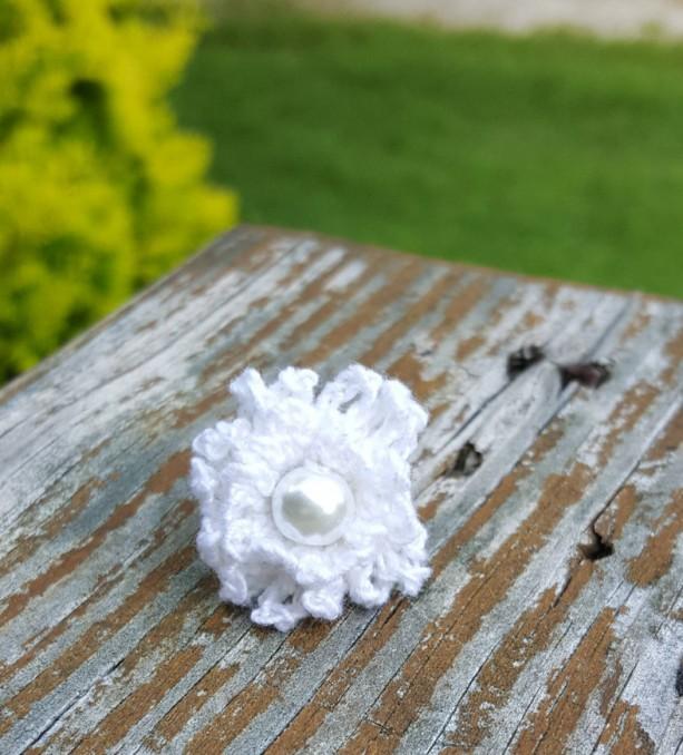Flower Ring - Statement Ring - White - Crochet - Boho Ring - Wedding