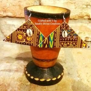 Ankara Earrings, Cowrie Cork Earrings, African Print Cowrie Beaded Earrings, Tribal Cowry Ankara Print Earrings, Afrocentric Cowry Cowrie Earrings