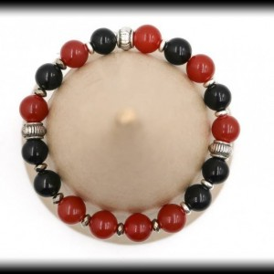 Carnelian and Black Onyx Bracelet for Clarity and Courage