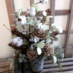 Farmhouse Floral Wall Pocket