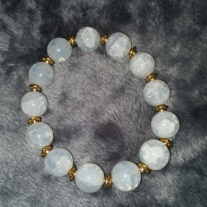 White Agate peaceful bracelet
