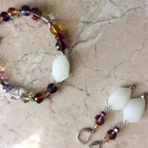 Fall bracelet set made with multicolor glass beads & earrings. #BES00134