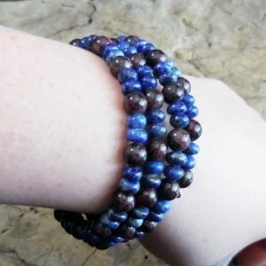 Genuine Gemstone Bracelet, Bohemian Dreaming, Lapis Lazuli and Garnet Beaded Memory Wire Bracelet, Gpsy Jewelry, Summer Bracelet, Blues ooak