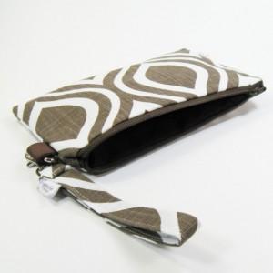 Medium Wristlet Zipper Pouch Clutch - Chocolate Mod