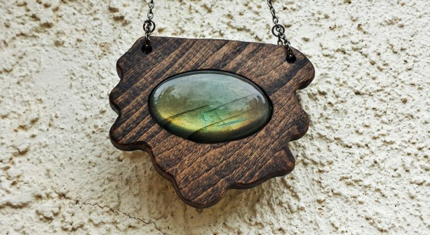 Freeform Wood Labradorite Necklace